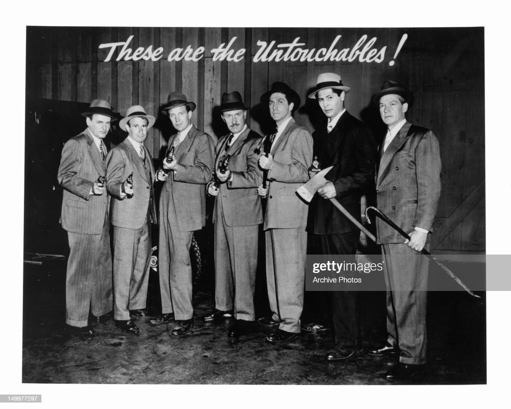 Robert Stack and cast of the 'Westinghouse Desilu Playhouse'    News