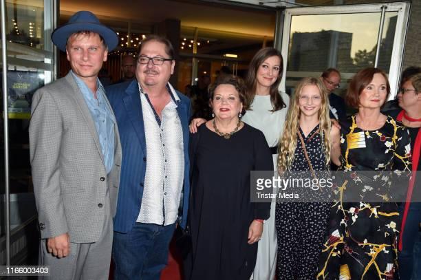 "Robert Stadlober, Juergen Tarrach, Swetlana Schoenfeld, Alexandra Maria Lara, Carlotta Von Falkenhayn and Barbara Schnitzler attend the ""Und der..."
