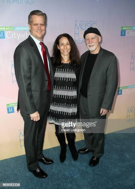 Robert Stone Barbara Stone and Steven T Rosen at the City of Hope's 2017 Spirit of Life Gala at Barker Hangar on November 2 2017 in Santa Monica...