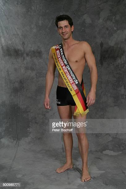 Robert Straßer Wahl zum Mister Germany 2005/06 Linstow Deutschland PNr 1649/2005 Van der Valk Resort Sieger nackter Oberkörper Schärpe Badehose sexy...