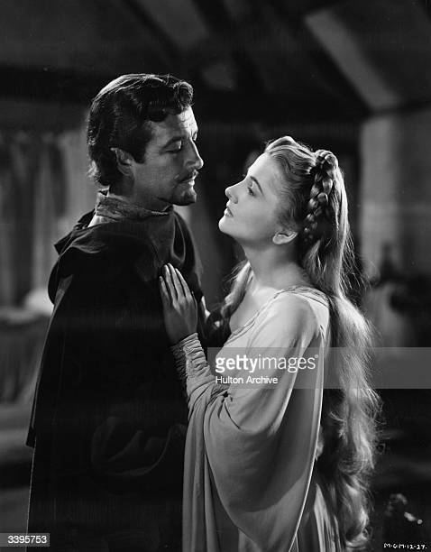 Robert Taylor the stage name of Spangler Arlington Brugh the American leading man as he appears in the title role of the film 'Ivanhoe' with Joan...