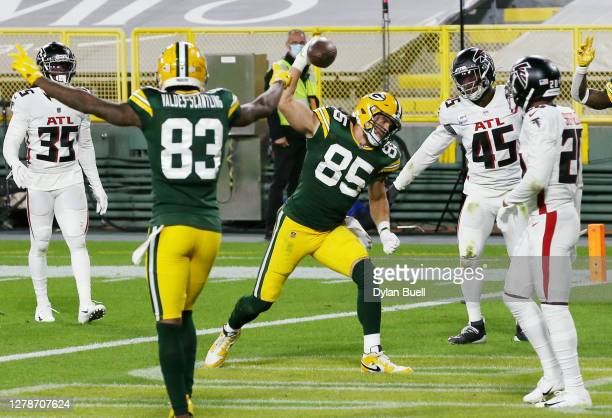 Robert Tonyan of the Green Bay Packers celebrates scoring a second quarter touchdown against the Atlanta Falcons at Lambeau Field on October 05, 2020...