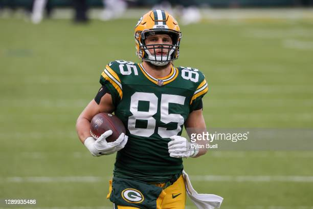 Robert Tonyan of the Green Bay Packers warms up before the game against the Philadelphia Eagles at Lambeau Field on December 06, 2020 in Green Bay,...