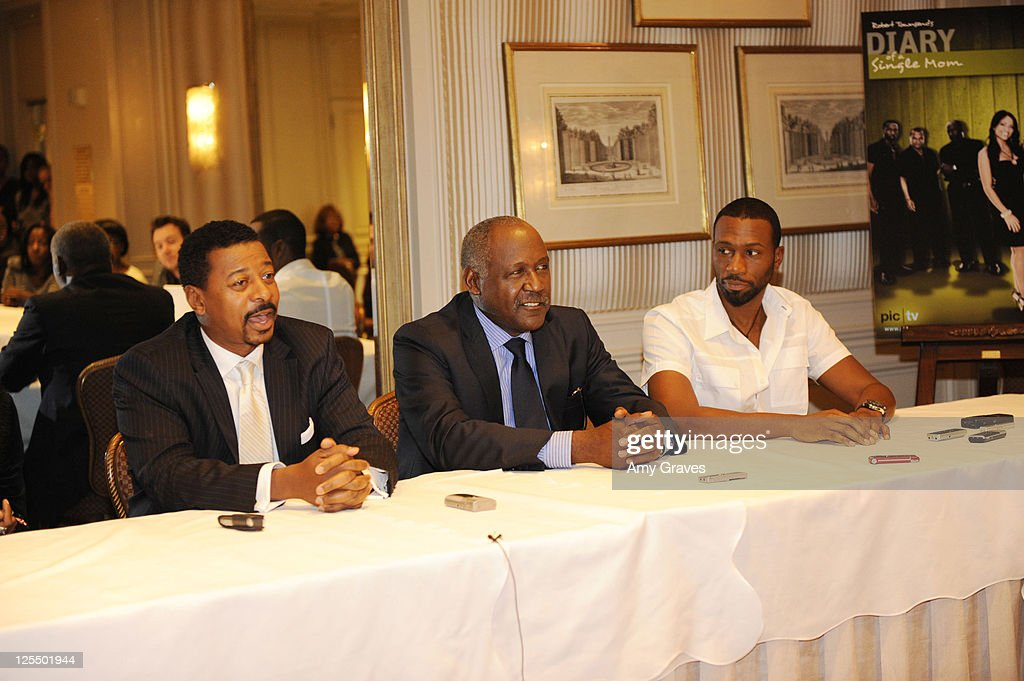 Diary of a single mom season 3 press junket photos and images robert townsend richard roundtree and leon attend the diary of a single mom ccuart Images