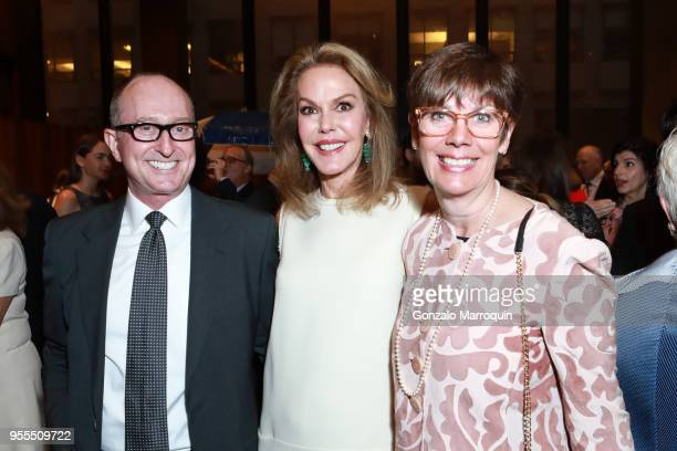 Robert Turner Cece Cord and Jill O'DonnellTormey during the Through The Kitchen Benefit For Cancer Research Institute on May 6 2018 in New York City
