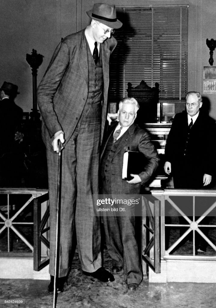 Robert Wadlow Stock Photos And Pictures Getty Images