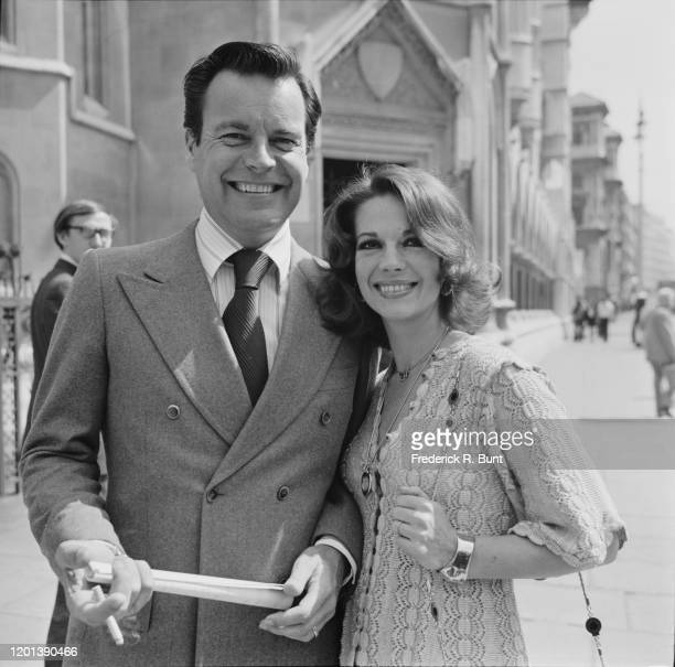 Robert Wagner and Natalie Wood at the Royal Courts of Justice where their libel case was being heard in London England 22nd June 1976