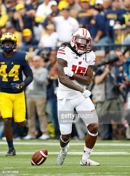 Robert Wheelwright of the Wisconsin Badgers reacts after running for a first down during the first quarter of the game against the Michigan...