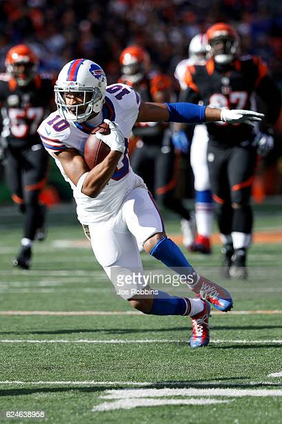 Robert Woods of the Buffalo Bills carries the ball during the first quarter of the game against the Cincinnati Bengals at Paul Brown Stadium on...