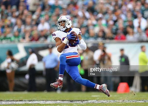 Robert Woods of the Buffalo Bills catches the ball against the Philadelphia Eagles during the first quarter at Lincoln Financial Field on December 13...