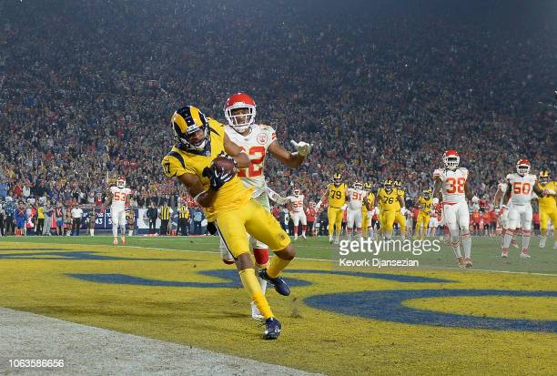 Robert Woods of the Los Angeles Rams catches a touchdown pass from quarterback Jared Goff in front of Orlando Scandrick of the Kansas City Chiefs in...