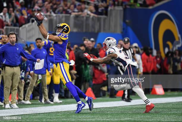 Robert Woods of the Los Angeles Rams makes a catch in the second quarter during Super Bowl LIII against the New England Patriots at Mercedes-Benz...