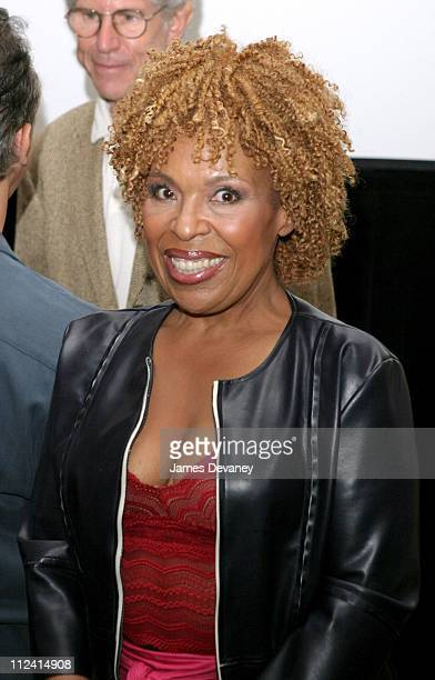 """Roberta Flack during SAG and AFTRA Celebrities Who Have The """"Urge to Merge"""" Get Together In Support Of Consolidating The Two Unions at Roosevelt..."""
