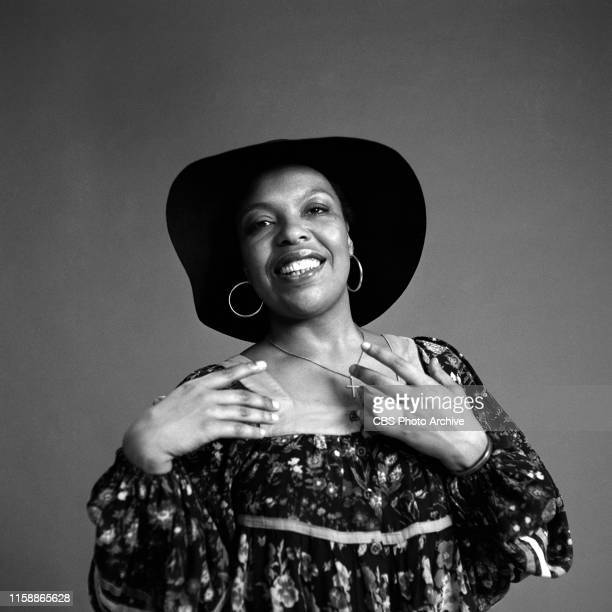 Roberta Flack Grammy winner of Best Album of the Year Killing me Softly With His Song poses for a portrait on January 15 1975