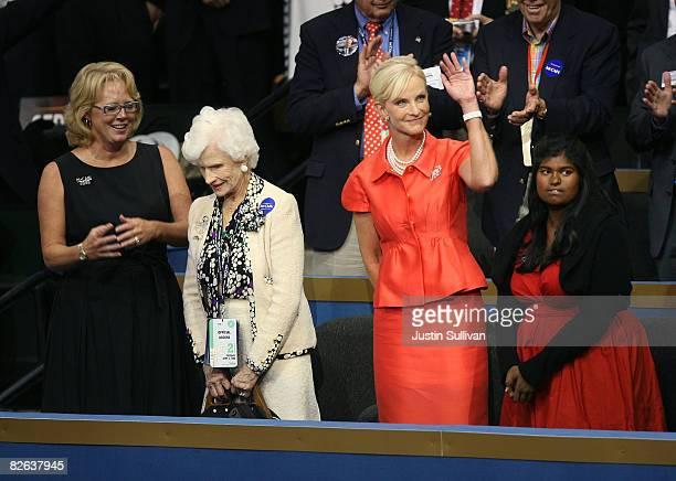 Roberta McCain mother of presumptive Republican presidential nominee US Sen John McCain his wife Cindy McCain and their daughter Bridget stand...