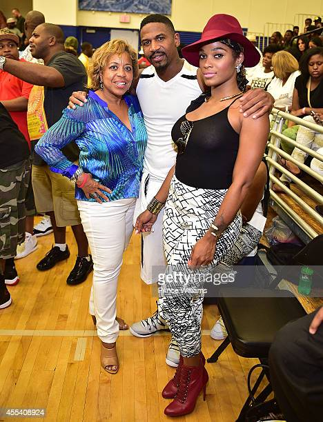 Roberta Shields Stevie J and Joseline Hernandez attends the LUDA vs YMCMB celebrity basketball game at Georgia State University Sports Arena on...