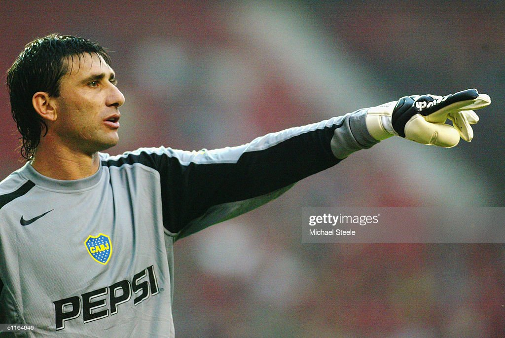 Roberto Abbondanzieri of Boca Juniors... : News Photo