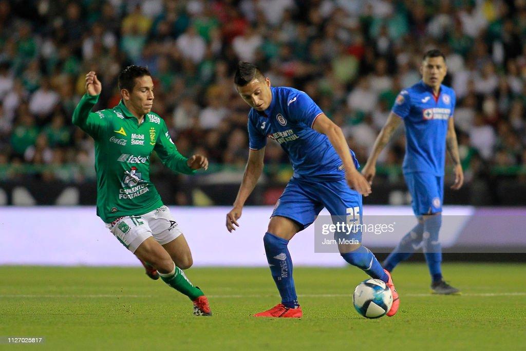 Leon v Cruz Azul - Torneo Clausura 2019 Liga MX : Fotografía de noticias