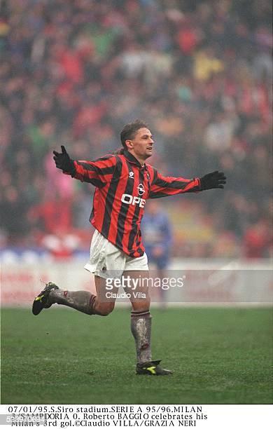 Roberto Baggio of AC Milan celebrates during the Serie A match between AC Milan and UC Sampdoria at Giuseppe Meazza stadium Milan