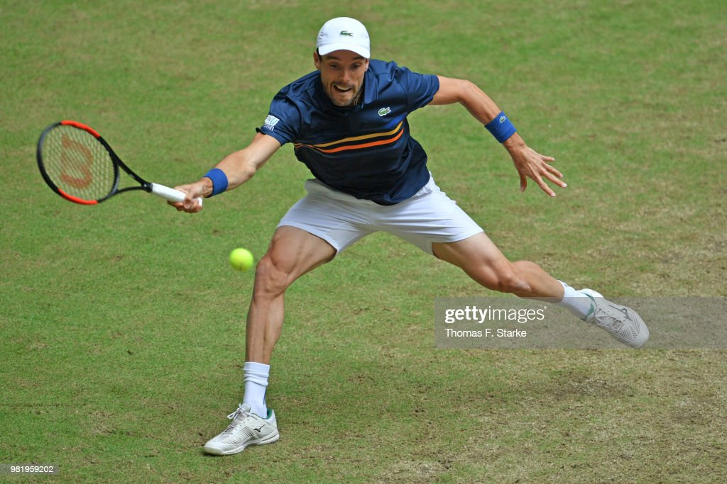 Roberto Bautista Agut of Spain plays a forehand in his half final match against Borna Coric of Croatia during day six of the Gerry Weber Open at Gerry Weber Stadium on June 23, 2018 in Halle, Germany.
