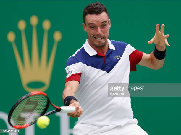 Roberto Bautista Agut of Spain returns a shot to Chung Hyeon of Korea during the First Round on Day 2 of 2017 ATP 1000 Shanghai Rolex Masters on...