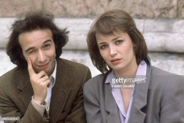 Roberto Benigni and French actress Dominique Laffin star together in the 1979 Italian film Chiedo Asilo directed by Marco Ferreri The film known in...