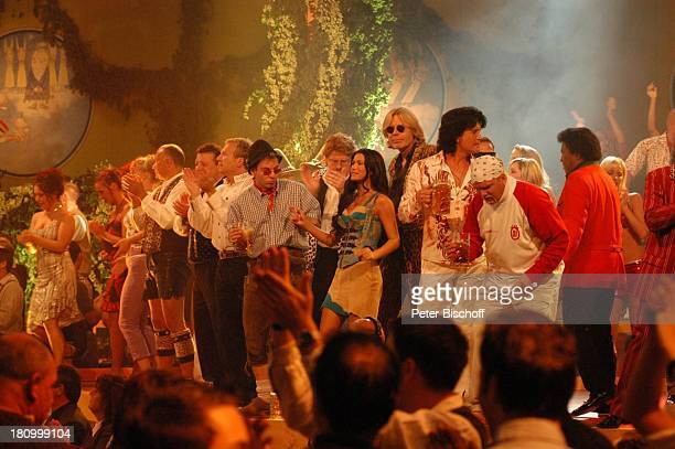 """Roberto Blanco , Costa Cordalis , DJ ; tzi , """"Geier Sturzflug"""" , Antonia , Mitglieder der Musikgruppe: """"Plattlinger Isarspatzen"""" , """"Ottis..."""