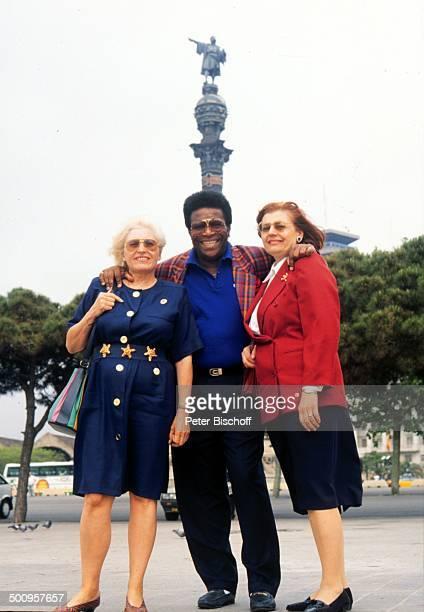 """Roberto Blanco mit Ehefrau Mireille und Schwägerin Irene Cercuera,, vor der """"Columbus-Säule"""", Barcelona/Spanien, Promi, Foto: P.Bischoff,"""