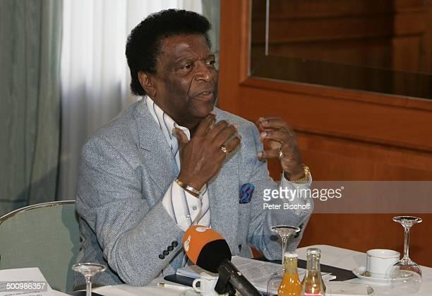 Roberto Blanco Pressekonferenz zu einer Benefizveranstaltung des E C K H A R T W I T Z I G M A N N Palazzo zugunsten der ZNS H a n n e l o r e K o h...