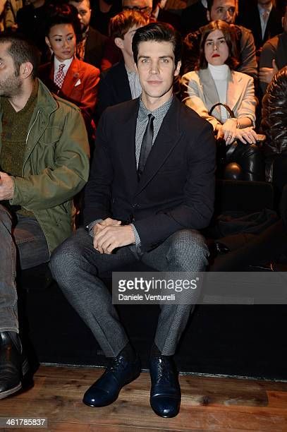 Roberto Bolle attends the Dolce Gabbana show as a part of Milan Fashion Week Menswear Autumn/Winter 2014 on January 11 2014 in Milan Italy