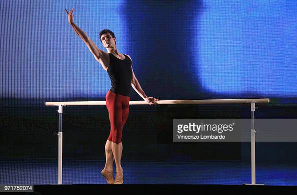 1 756 Roberto Bolle Photos And Premium High Res Pictures Getty Images