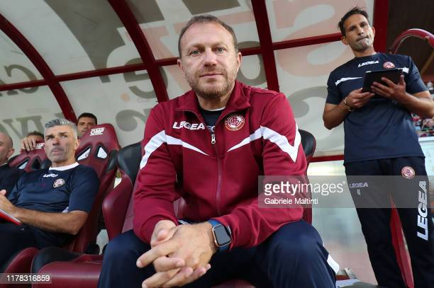 Roberto Breda manager of AS Livorno looks on during the Serie B match between AS Livorno and Pisa SC at Stadio Armando Picchi on October 26 2019 in...