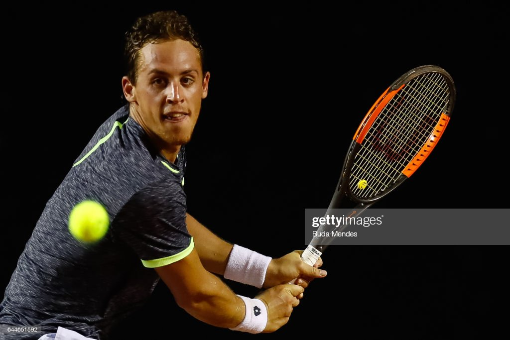 Roberto Carballes Baena of Spain returns a shot to Casper Ruud of Norway during the ATP Rio Open 2017 at Jockey Club Brasileiro on February 23, 2017 in Rio de Janeiro, Brazil.