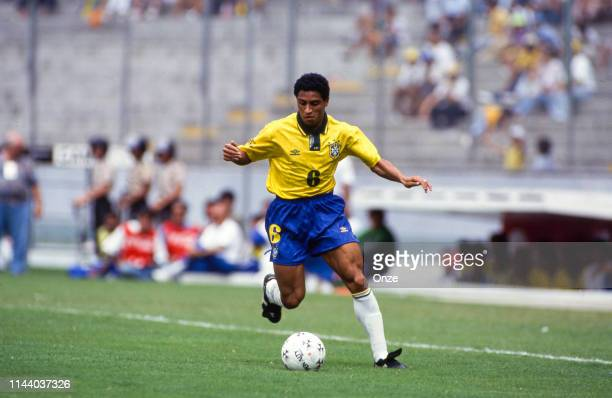 109 Football Copa America 1993 Photos And Premium High Res Pictures Getty Images