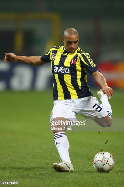 Roberto Carlos of Fenerbahce during the UEFA Champions League Group G match between Inter Milan and Fenerbahce at the San Siro stadium on November 27...