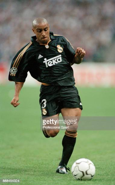 Roberto Carlos of Real Madrid in action during the UEFA Champions League Final between Real Madrid and Valencia at Stade de France on May 24 2000 in...