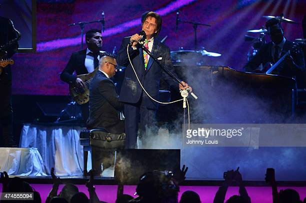 Roberto Carlos performs at 2015 Billboard Latin Music Awards presented by State Farm on Telemundo at Bank United Center on April 30 2015 in Miami...