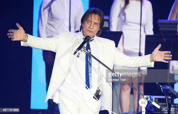 Roberto Carlos performs onstage during the 2015 Person of the Year honoring him held at the Mandalay Bay Events Center on November 18 2015 in Las...