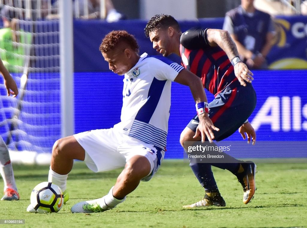 Roberto Chen #23 of Panama and Dom Dywer #14 of USA fight for a ball during the second half of a CONCACAF Gold Cup Soccer match at Nissan Stadium on July 8, 2017 in Nashville, Tennessee.