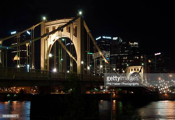 roberto clemente bridge at night - phil haber stock pictures, royalty-free photos & images