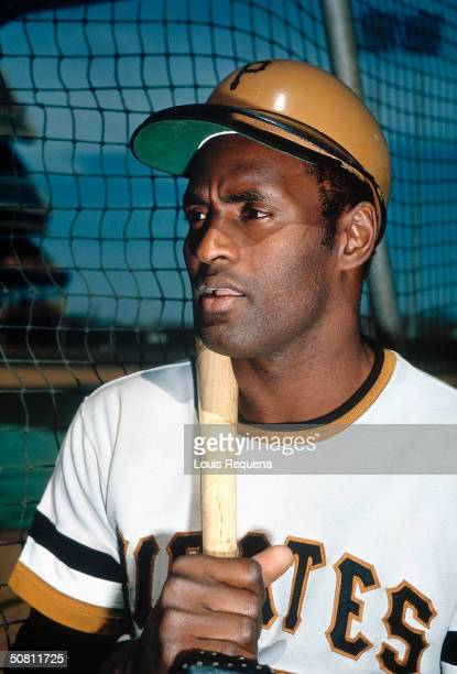 Roberto Clemente of the Pittsburgh Pirates poses for a photo circa 1972