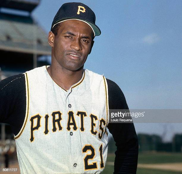 Roberto Clemente of the Pittsburgh Pirates poses for a photo circa 1970