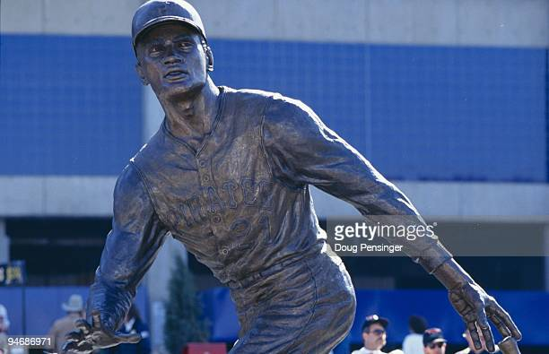 Roberto Clemente statue outside Three Rivers Stadium is shown on October 16 1994 in Pittsburgh Pennsylvania