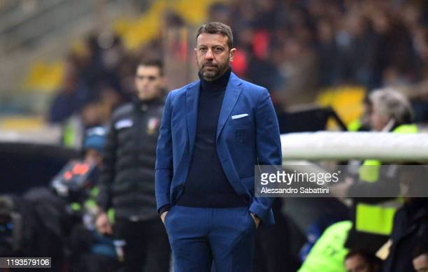 Roberto D´Aversa head coach of Parma Calcio looks on during the Serie A match between Parma Calcio and US Lecce at Stadio Ennio Tardini on January 13...