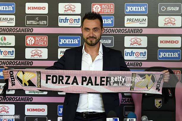 Roberto De Zerbi poses during his presentationa as new Head Coach of US Citta' di Palermo at Carmelo Onorato training session on September 6 2016 in...