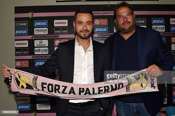 Roberto De Zerbi poses with Sport Manager Daniele Faggiano during his presentation as new Head Coach of US Citta' di Palermo at Carmelo Onorato...