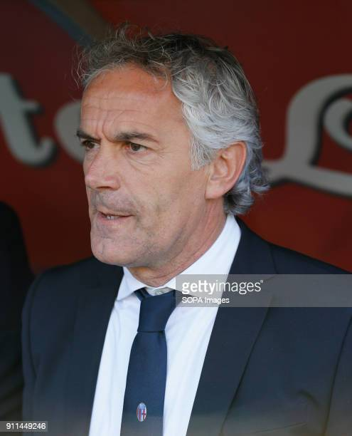 PAOLO NAPLES CAMPANIA ITALY Roberto Donadoni coach of Bologna FC before the Italian Serie A match between SSC Napoli and Bologna at San Paolo Stadium