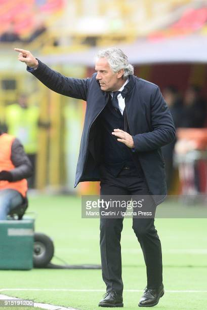 Roberto Donadoni head coach of Bologna FC gestures during the serie A match between Bologna FC and ACF Fiorentina at Stadio Renato Dall'Ara on...