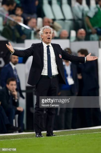 Roberto Donadoni head coach of Bologna FC gestures during the Serie A football match between Juventus FC and Bologna FC Juventus FC won 31 over...