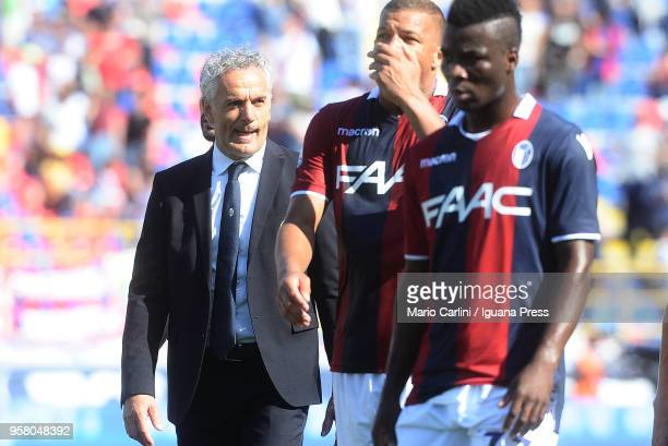 Roberto Donadoni head coach of Bologna FC looks dejected at the end of the serie A match between Bologna FC and AC Chievo Verona at Stadio Renato...
